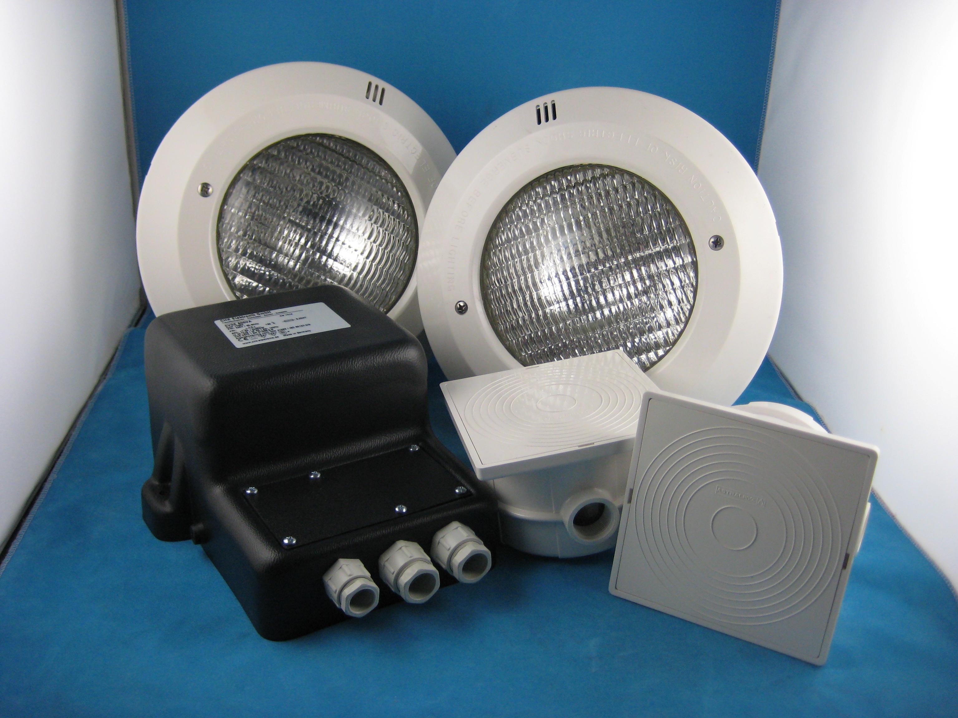 Scheinwerferset 2 - 2x Scheinwerfer 300W + 1x Trafo + 2x Kabeldose