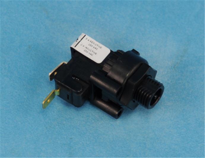 PN-Schalter für Gegenstromanlage (im Schaltkasten)